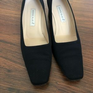 Anne Klein Black shoes 8 1/2